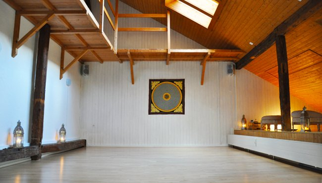 Yoga Zürich Meditation Zürich Hatha Yoga Kundalini Yoga Raja Yoga Vinyasa Pranayama